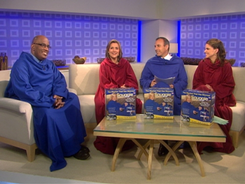 tdy-090204-cast-snuggie